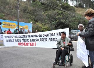 Pela terceira vez, moradores do Areia Preta organizaram manifestação