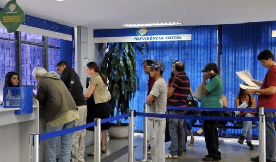Novas alíquotas da Previdência Social entram em vigor domingo (1º)(Foto: Antônio Cruz/AB)