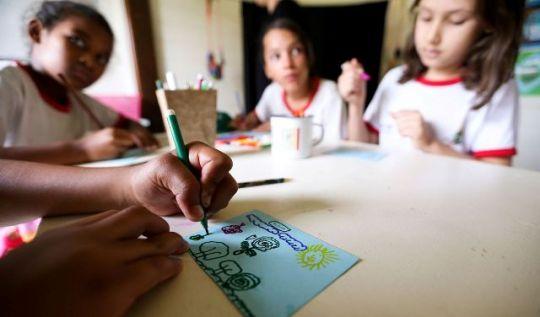 Retorno das atividades escolares presenciais devem acontecer somente em cidades na onda verde(Foto: Marcelo Camargo/AB)