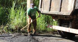 Secretaria de Serviços Urbanos realiza operação tapa buracos em João Monlevade(Foto: Kátia Passos/AcomPMJM)