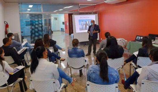 Servidores de São Gonçalo fazem capacitação para aperfeiçoar atendimento ao público(Foto: Nívia Martins/AcomPMSGRA)