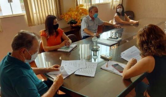 Prefeitura de São Gonçalo assina contrato de mais de R$ 2 milhões  para reforma das escolas municipais(Foto: Nívia Leles/Acom PSGRA)