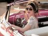 Mulher é multada por dirigir com 'excesso de beleza'(Foto: Divulgação )